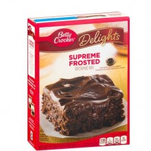 BETTY CRKR BROWNIE FROSTED 541g